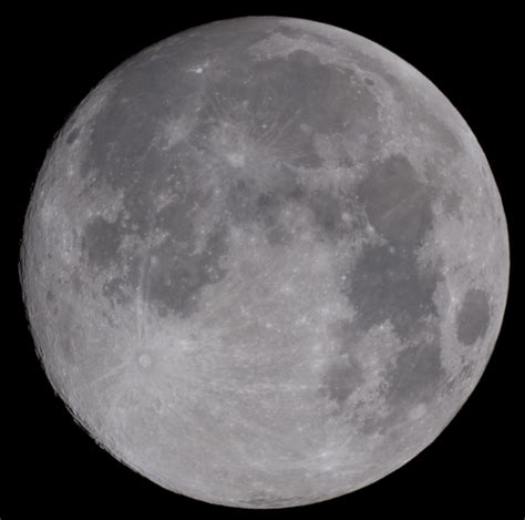 Shooting The Moon In Colours The Raw Vs Jpeg Lunar