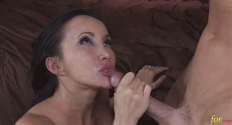 Petite Mouth Korean Mature Is Hungry For Facials