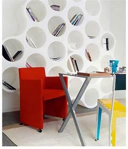 Petit Fauteuil Confortable : petit fauteuil design couleur bleue avec accoudoirs cappellini ~ Teatrodelosmanantiales.com Idées de Décoration