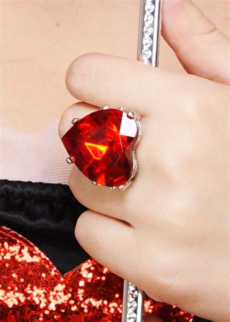 queen  hearts large red heart jewel ring