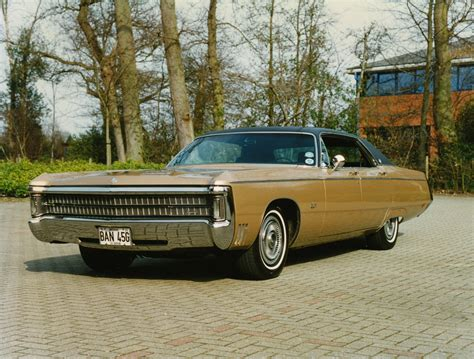 1969 Chrysler Crown Imperial - Information and photos ...