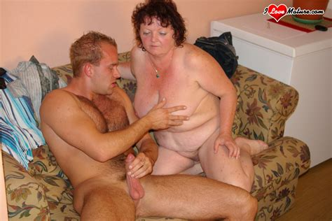 Chubby Mature Housewife Fucking And Sucking