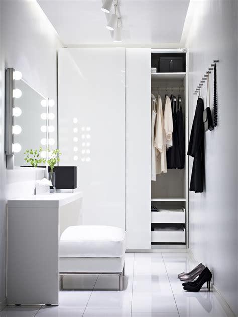 turn  small bedroom   dressing room
