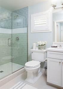 Salle de bain couleur vert d eau simple carrelage salle for Salle de bain couleur vert d eau