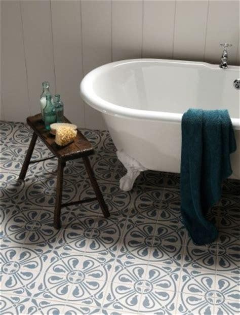 une baignoire pour la salle de bain cocon de d 233 coration