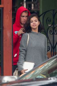 Selena Gomez - Goes for a Walk With Justin Bieber in LA 11 ...
