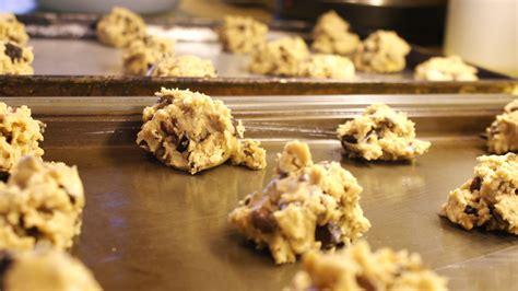 baking cookie dough cookies chip chocolate raw sheets galletas teslio commons hacks recipe wikimedia americanas receta gotas pepitas coli bake