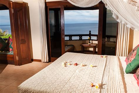 blue 2 bedroom penthouse blue moon villas amed bali