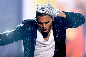 Chris Brown Cries During Michael Jackson Tribute at BET ...