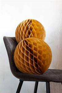 Set Of 2 Honeycomb Ball Decorations In Ochre Gold