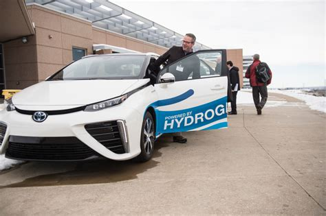 Why Hydrogen Fuel Cell Cars Can't Compete With Electric Cars