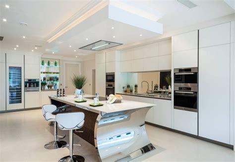 cuisine am ag uip photo cuisine equipee moderne maison design bahbe com