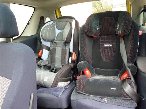 quel age siege auto quel siège auto bébé forum peugeot 1007