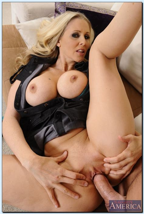 Bumping Ugly With Hot Milf Julia Ann Milf Fox