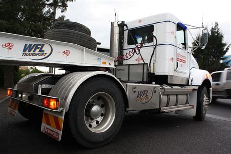 trade trucks kenworth kenworth trucks t359 prime mover review trade trucks