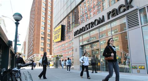 nordstrom rack new york nordstrom opening its beachhead in manhattan the new