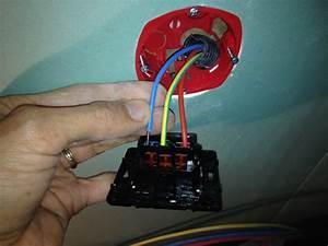Installation Prise Electrique Pour Voiture : installation douille plafond sur prise lectrique au sol ~ Maxctalentgroup.com Avis de Voitures
