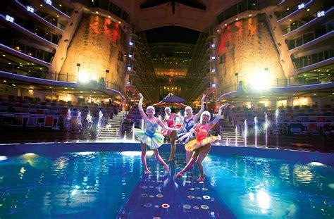 Cruise ship entertainer
