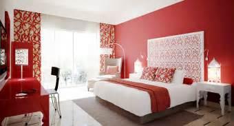 schlafzimmer gestalten braun beige schlafzimmer rot 50 schlafzimmer inspirationen in rot freshouse