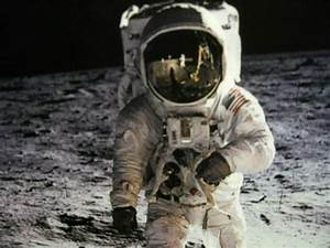 Image Gallery neil armstrong moon landing
