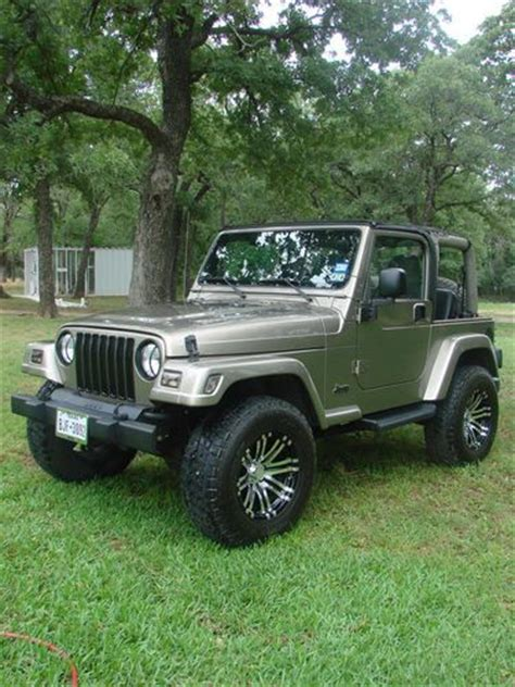 sahara jeep 2 door buy used 2003 jeep wrangler sahara sport utility 2 door 4