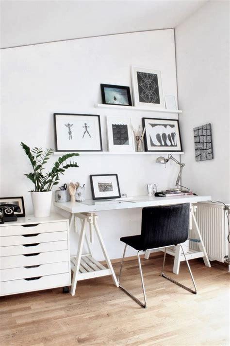 table bureau blanc comment meubler et décorer un bureau scandinave blanc et