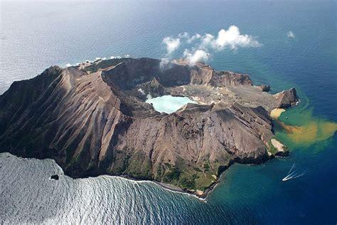 big idea  volcanoes  collapse catastrophically