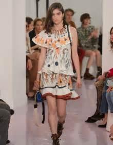 La Mode Est A Vous Printemps Ete 2018 : d fil chlo pr t porter printemps t 2018 paris elle ~ Farleysfitness.com Idées de Décoration