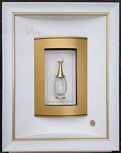 Passe Partout Encadrement : parfum j 39 adore encadr par odile escalle double passe ~ Melissatoandfro.com Idées de Décoration