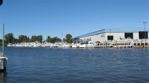Boat Service Grand Rapids Mi by Premium Quality And Michigan Heritage Pursuit Boats On