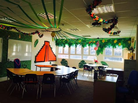 Decorating Themes : The Charming Classroom