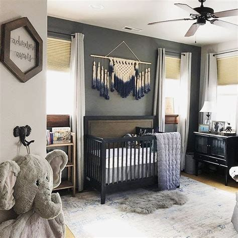 Kinderzimmer Wand Ideen Junge by Here S What S Trending In The Nursery This Week Baby Boy