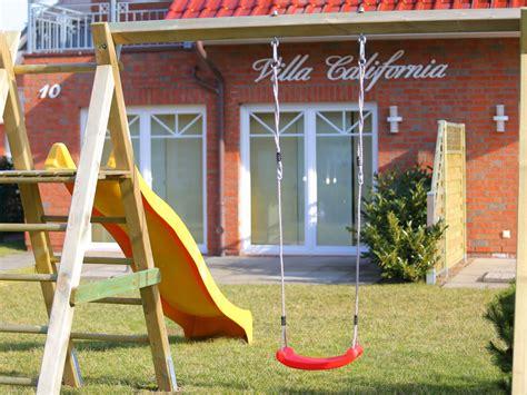 schaukel und rutsche ferienwohnung villa california saunawohnung boltenhagen firma dr rieken homes herr