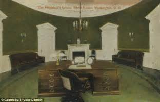 oval office desks that served the presidents daily mail
