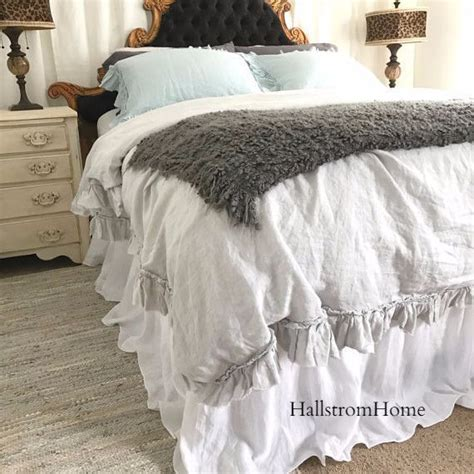 boy bed best 25 dust ruffle ideas on ruffle bed 10915