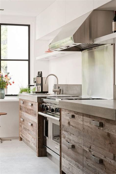 cuisine facade bois la cuisine bois brut adopte un look design moderne