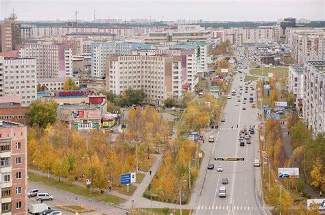 filelenin st surgut russia jpg wikimedia commons