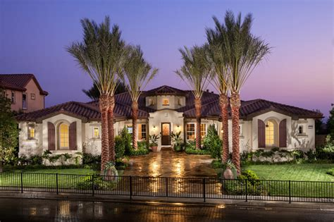 Single Story Home Design Offers Luxury Living All One