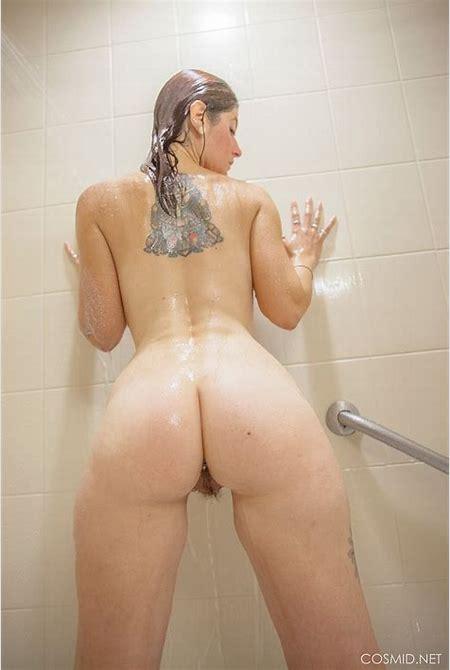 Busty Ashlynn Brooks takes a shower - BoobGoddess