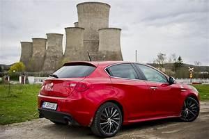 Alfa Romeo Giuletta : alfa romeo giulietta 1750 tbi quadrifoglio verde review autoevolution ~ Medecine-chirurgie-esthetiques.com Avis de Voitures