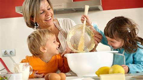 cuisiner pour les enfants cuisine pour enfant recettes livres et autres astuces