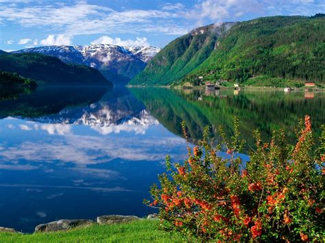 Pictures World Beautiful Scenary Wallpaper