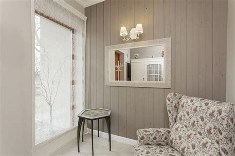 wood effect wallpaper adds character   cozy living