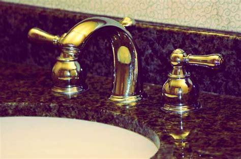 smell in kitchen sink 10 ways to use toothpaste trusper 5575