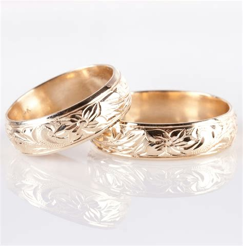 14k yellow gold etched floral leaf design matching