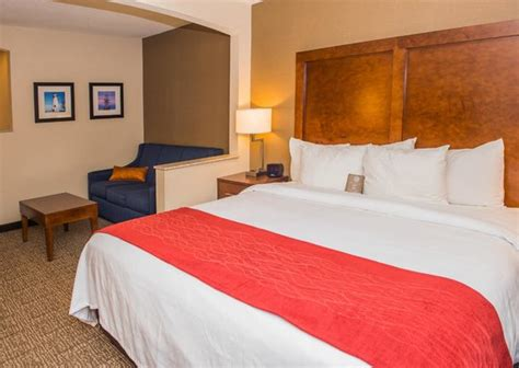 comfort inn erie pa comfort inn suites updated 2017 hotel reviews price