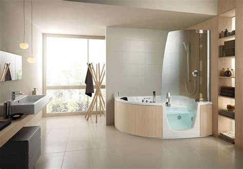 bad offene dusche und badewanne duschwand für badewanne sorgt für mehr stil und komfort