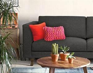 les 8 meilleures images du tableau quels coussins pour un With tapis rouge avec canapé velours violet