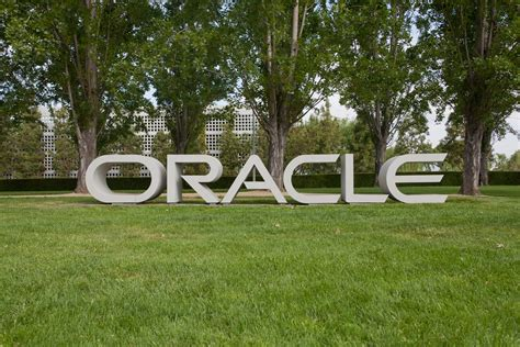 File:Oracle Redwood City May 2011 002.jpg - Wikimedia Commons