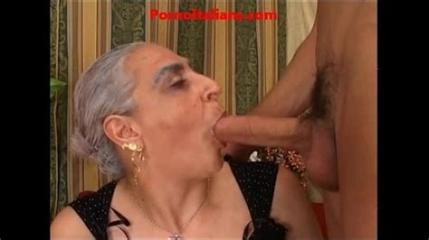 Granny Hot Big Cock Italian Nonna Scopa Cazzo Giovane E